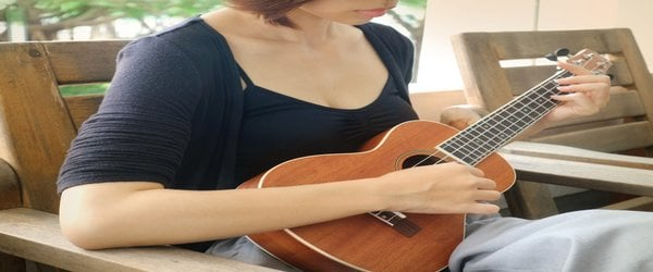 How To Tune a Ukulele Without a Tuner